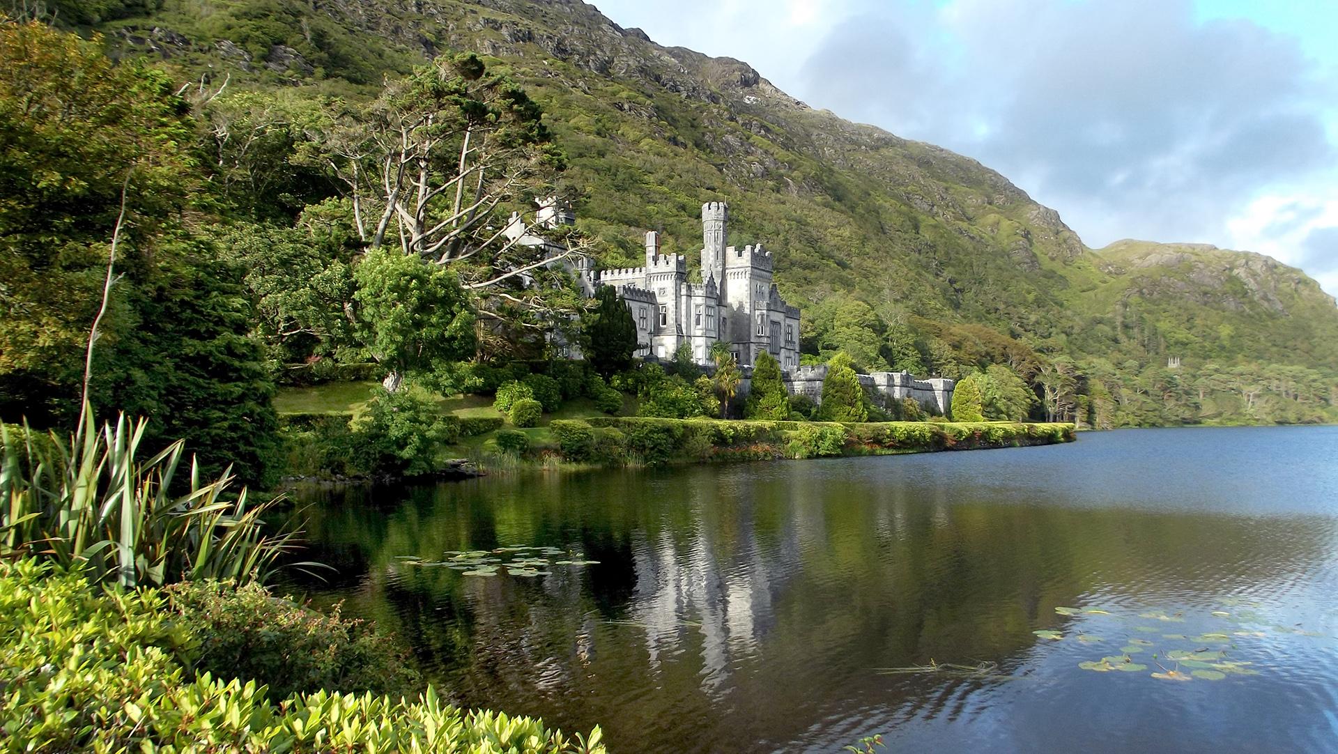 Gita giornaliera alle isole Aran e alle scogliere di Moher da Galway, inclusa crociera.
