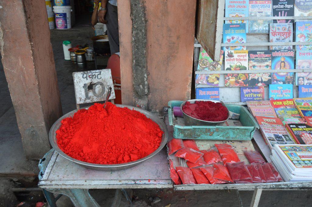 colori-mercato-holi-festival