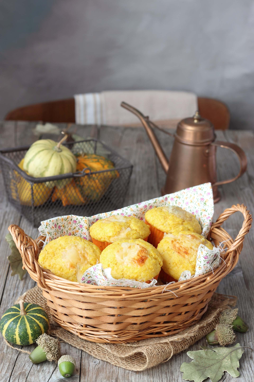 Muffin salati alla zucca e taleggio