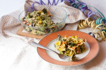 Pasta colorata con panna e broccoli