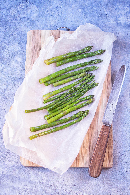 Penne con asparagi e trota
