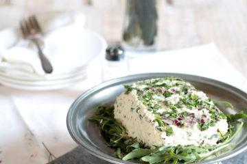 Tofu fatto in casa alla rucola e cipolla