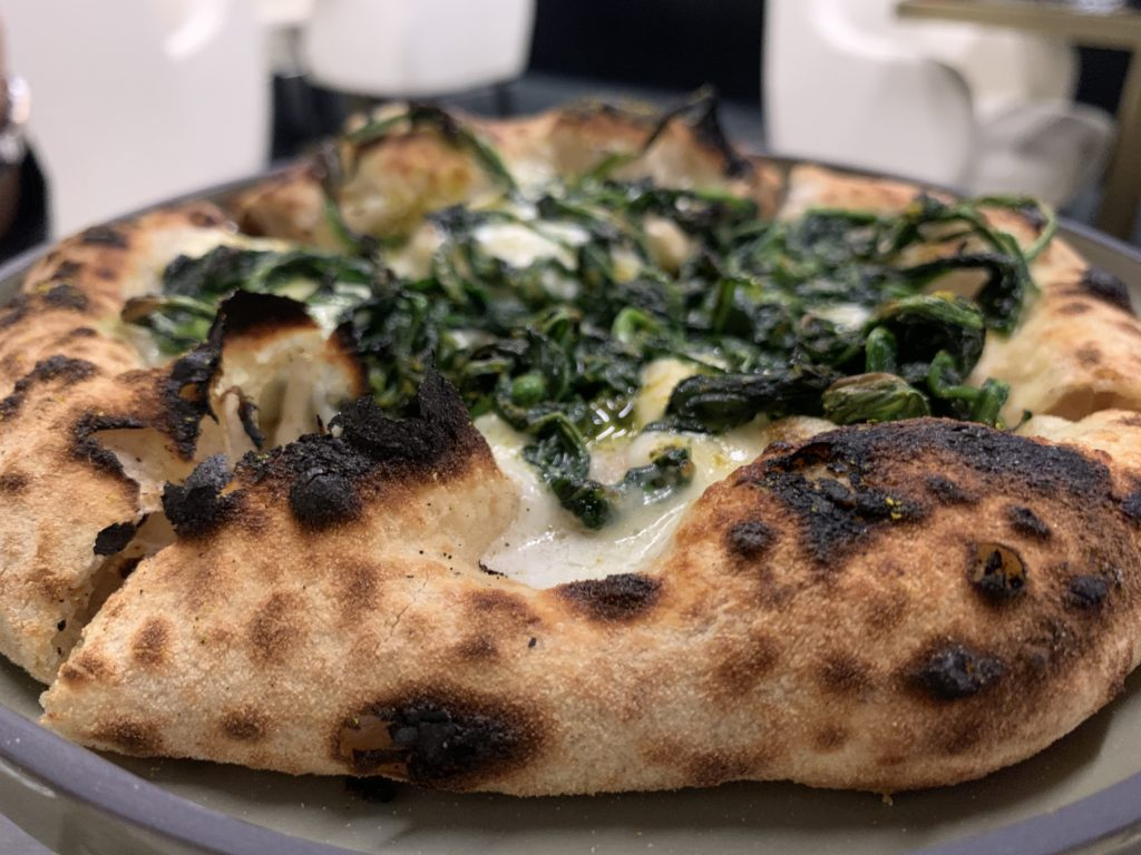 pizza-provola-cicoria-curry-verde